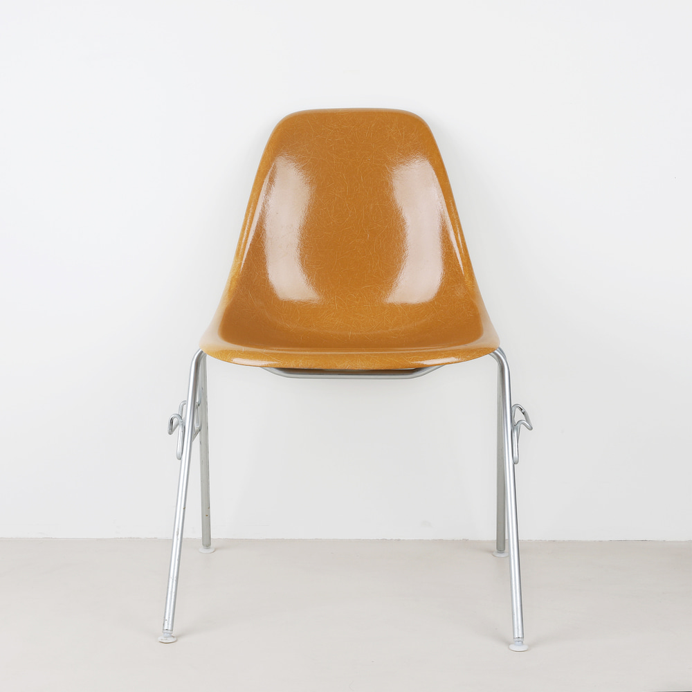 [임스체어] Eames Fiberglass Side Chair(DSS) - Ochre Dark