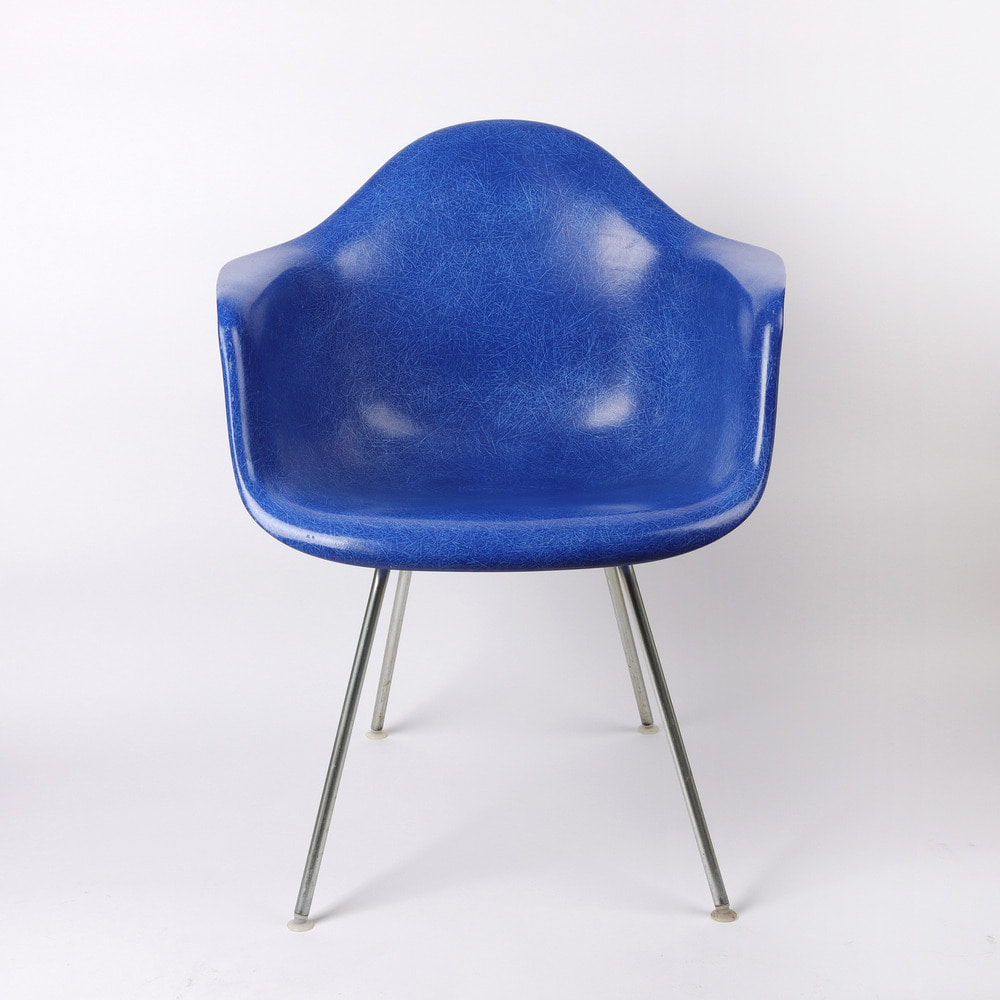 [임스체어] Eames Fiberglass Arm Chair(DAX) - Medium Blue