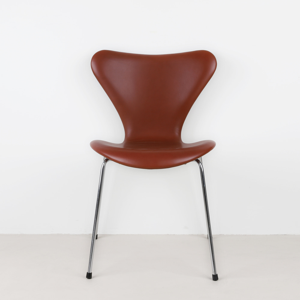 [세븐체어] Arne Jacobsen 7 Chair(AJ 3107) - Indian Red Leather