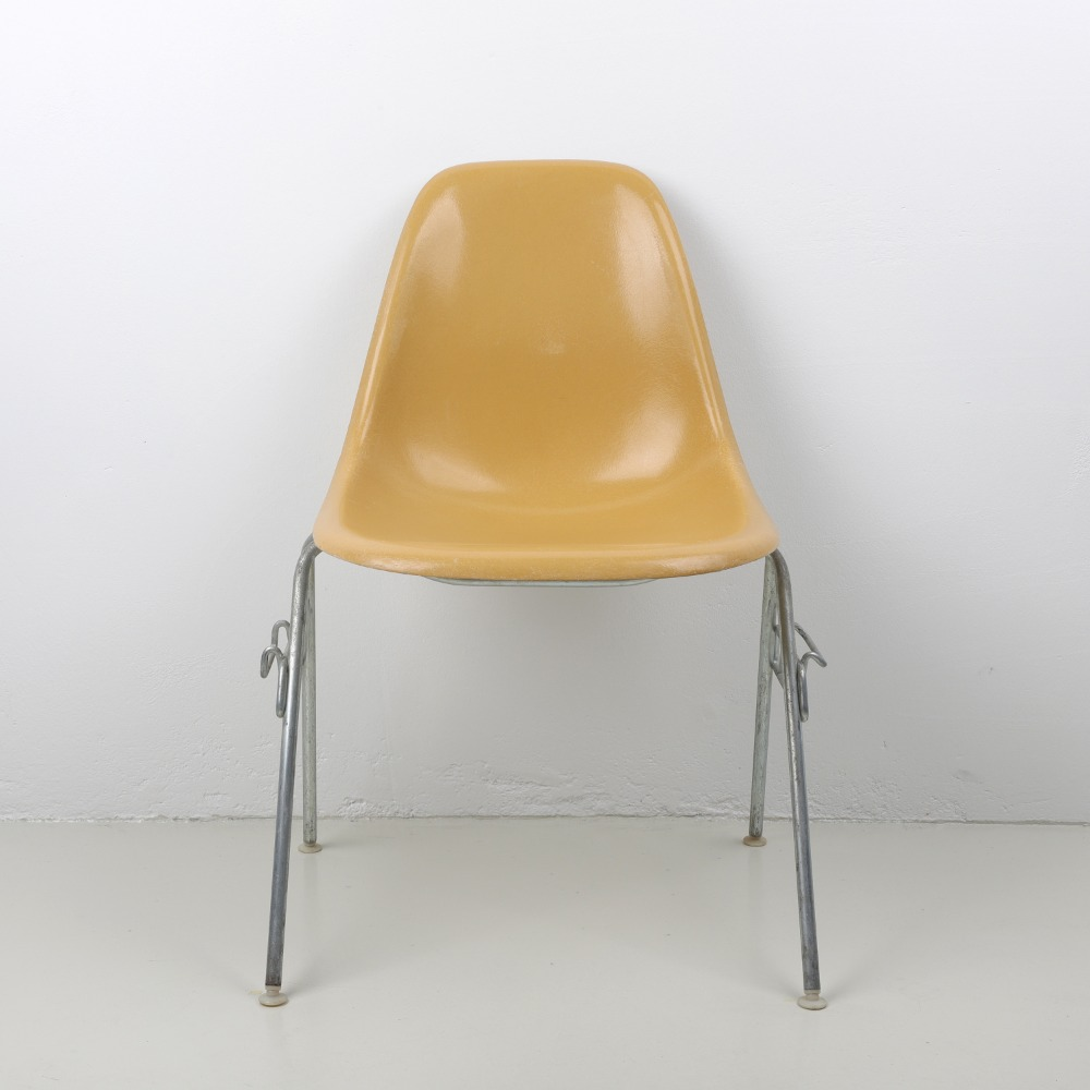 [임스체어] Eames Fiberglass Side Chair(DSS) - Ochre Light